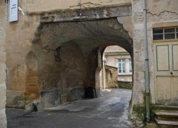 Vues d'Allex, Village, porte rue du Tuilier (1)