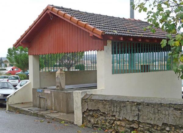 batiments-et-edifices-d-allex-publique-lavoir-montee-de-la-butte.jpg