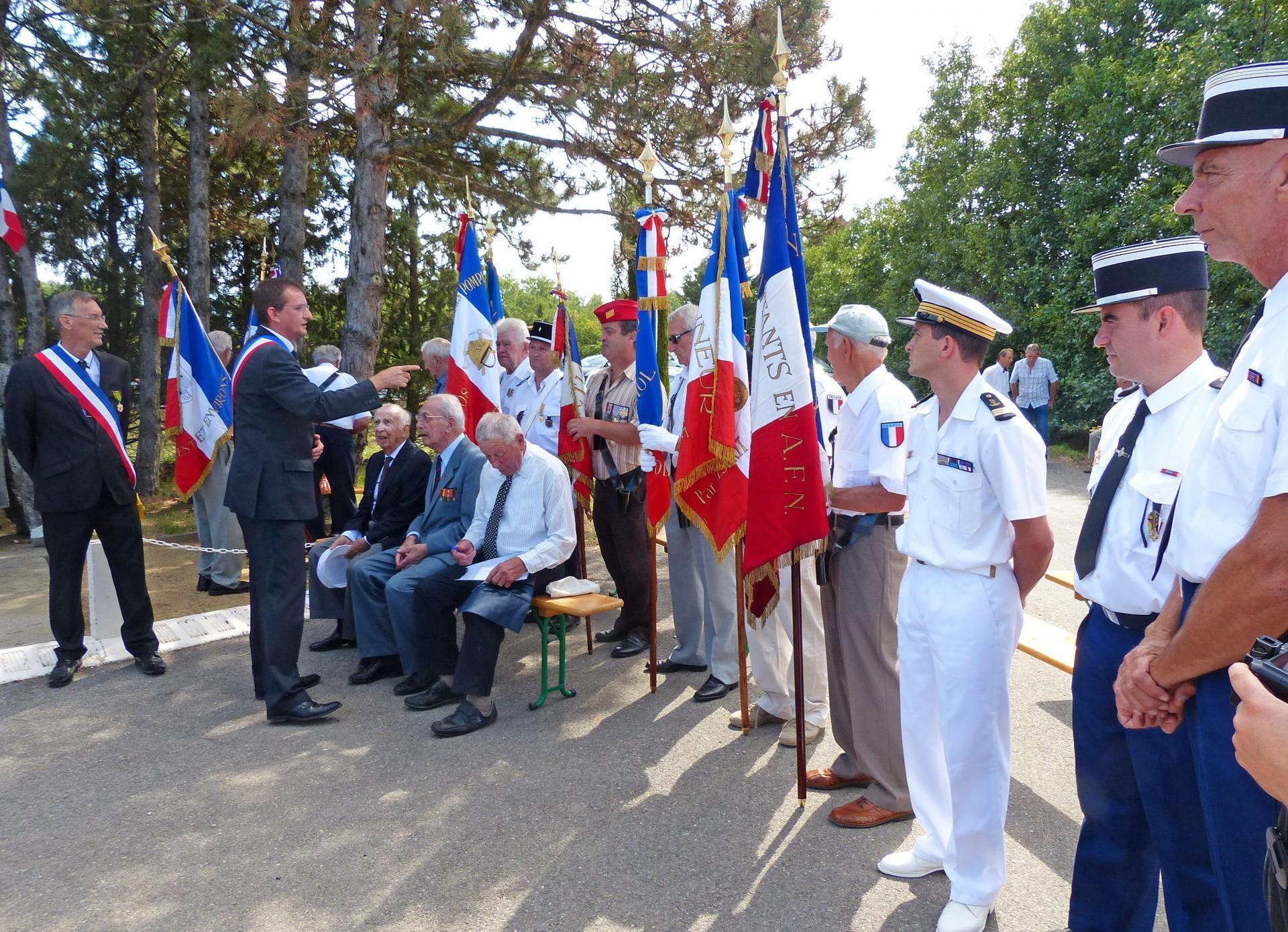 Guerres 1939 1945 france allemagne commemoration stele de soulier assis baulac raymond petit albert et chabanne pierre 2013 1