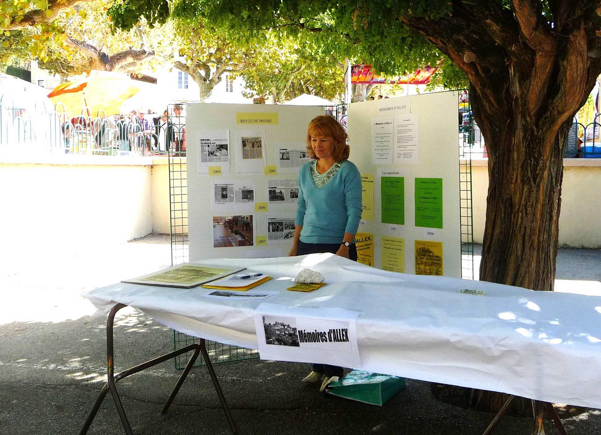 Presse memoires d allex forum des associations 2009 carole loukakis